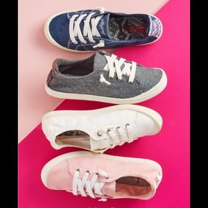 NWT PINK SNEAKS by JELLYpOp
